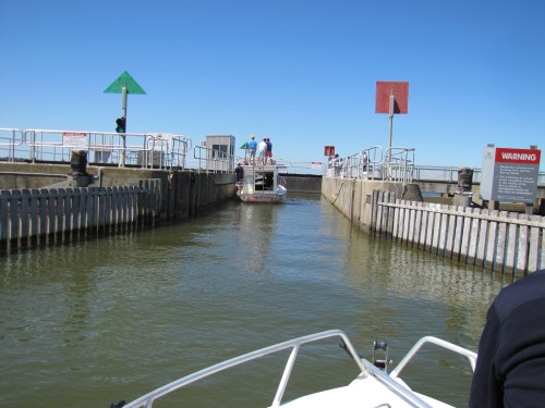 Going through the lock in the Goolwa barrage